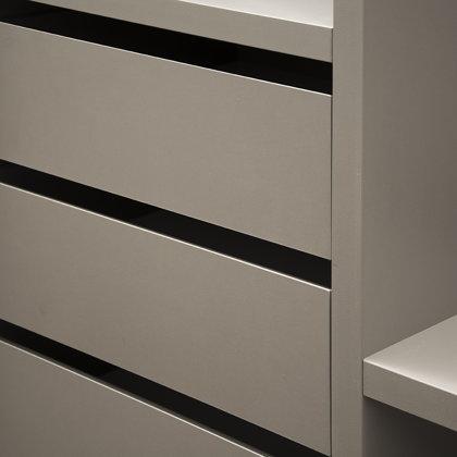 Minimalistinio dizaino baldai, IVES Furniture